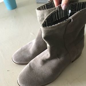 Shoes - Toms women's Laurel Taupe ankle boots